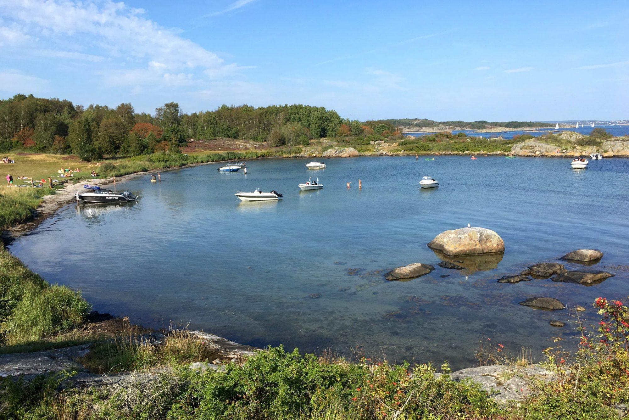Baai op het eiland Vrängo