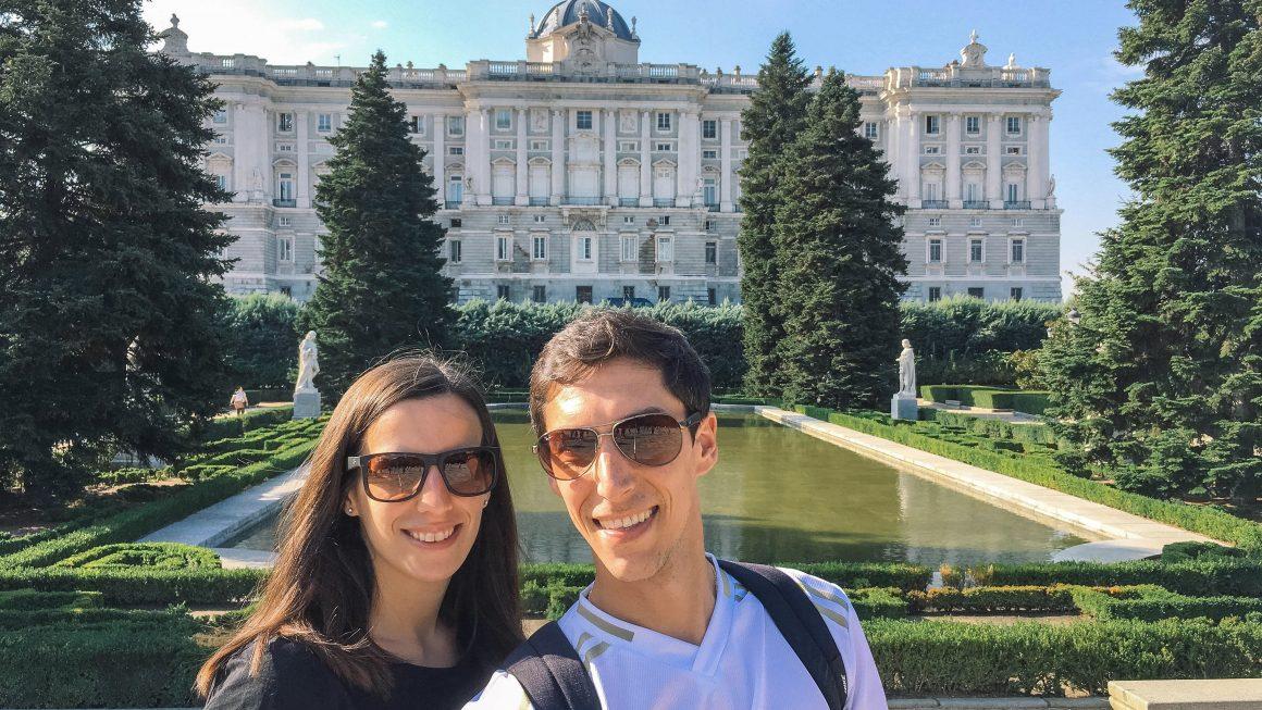 Voor het Koninklijk paleis in Madrid