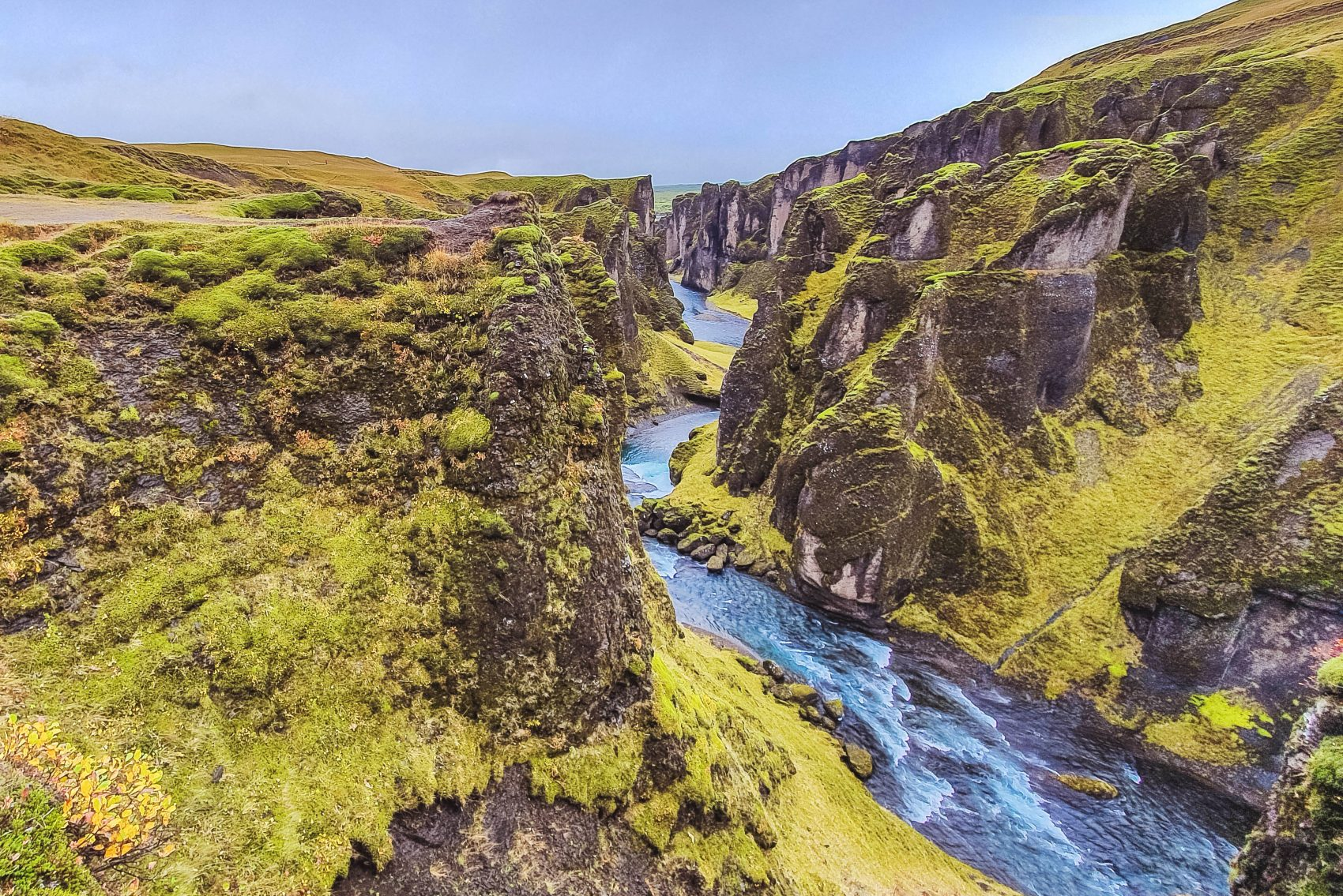 Fjadrargljufur canyon zuid-ijsland