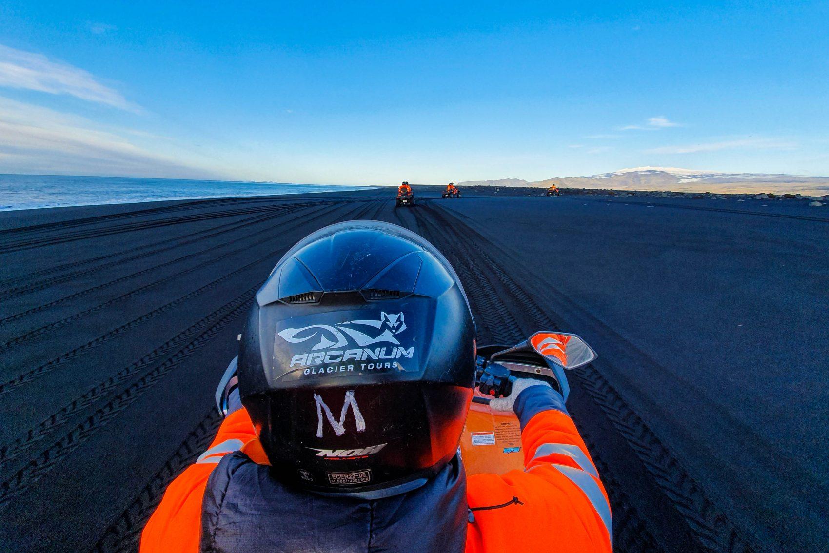 ATV black beach tour Zuid-IJsland